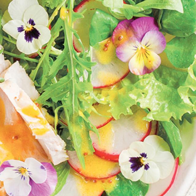 Salade gerookte kip en radijsjes